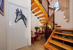 Room 1 - Giraffe
