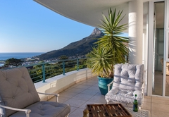 Penthouse Bedroom Seaview LR