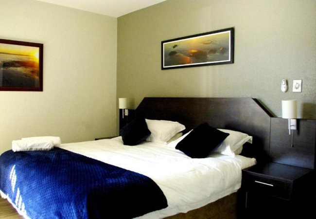 Deluxe King Room with Patio