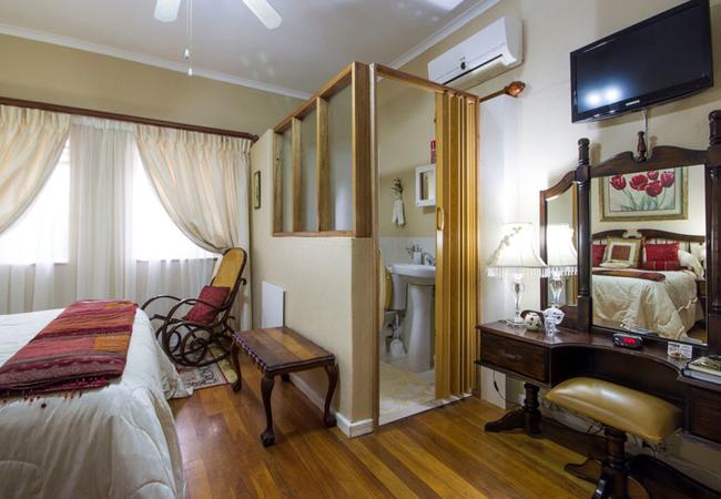 Queen En-suite Room