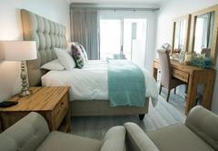 Luxury Queen Room