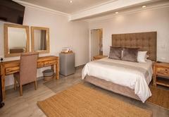 Large Luxury Queen Rooms