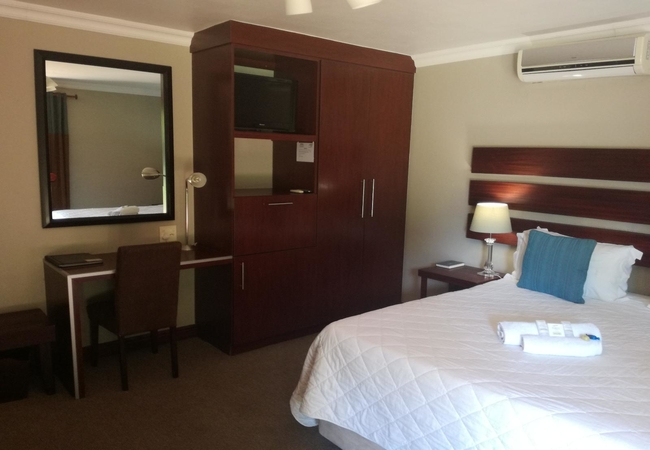 Room 3: Double Room