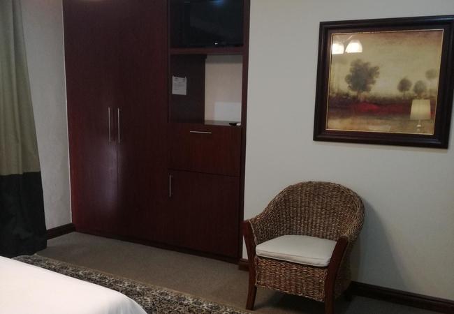 Room 6: Double Room