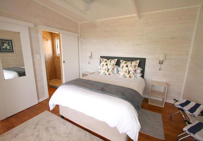 One-Bedroom Cottage (Sleeps 2 Adults and 3 Kids)