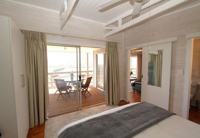 One-Bedroom Cottage (Sleeps 2 Adults)