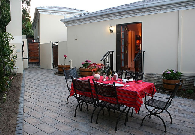 Shiraz private patio