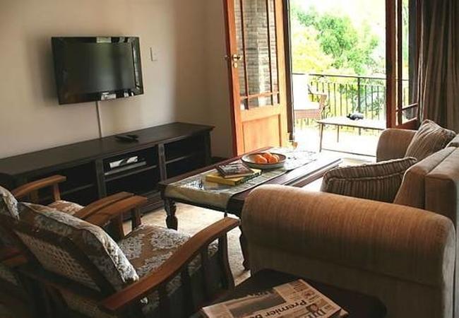Chardonnay lounge / balcony