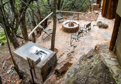 Black Leopard Mountain Lodge