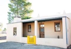 Blomhuis Cottage