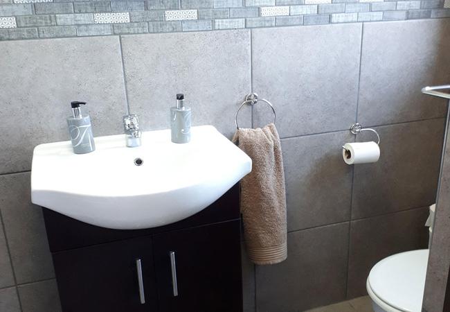 Pool View 2 bathroom