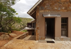 GHS6 - Twelve-Sleeper Guesthouse