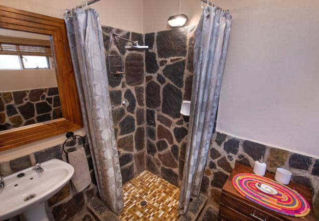 Luxury Room En Suite Shower