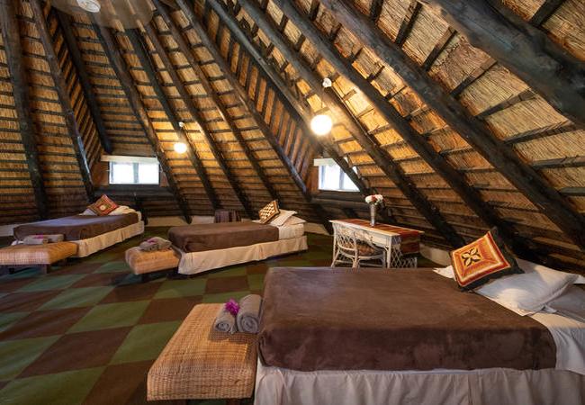 Owl House Lounge