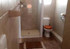 Quad unit bathroom