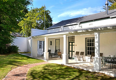Bo La Motte Guest Cottages