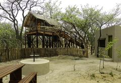 Tree House with Kitchen and Boma