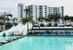 Breakers Resort Apartment 517