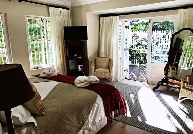 Luxe Garden Facing King or Twin Room