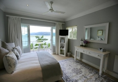 Luxe Lagoon-Sea Facing Suite (Honeymoon)