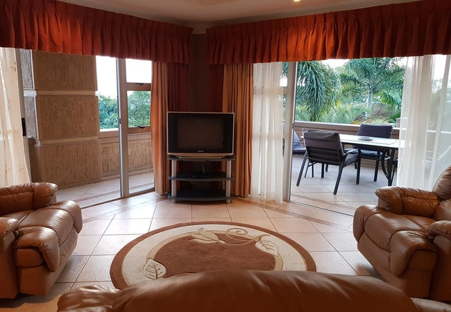 Suite 2 Lounge & Patio