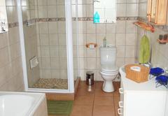 Baby Lodge bath room