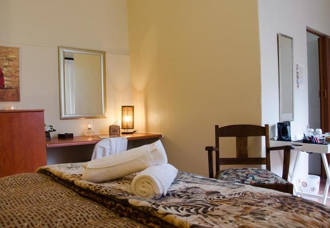 Small En-suite Garden Rooms