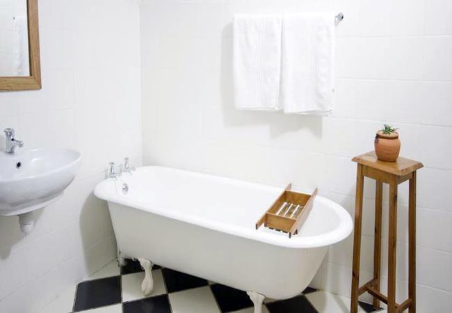 One-Bedroom Cottage (sleeps 2)
