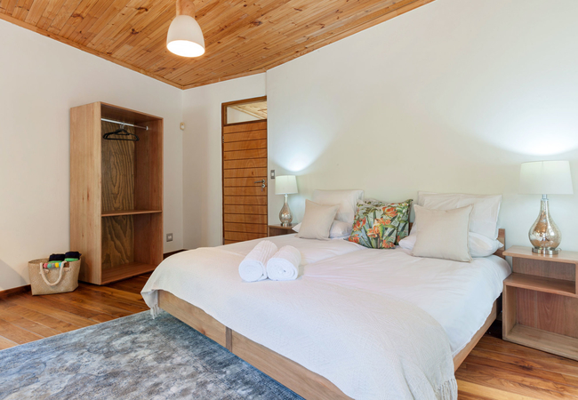 room3, 2 single beds