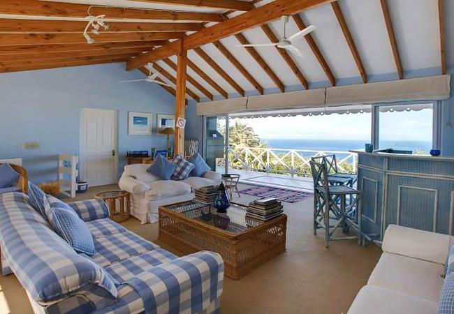 Penthouse Apartment with Panoramic Sea Views