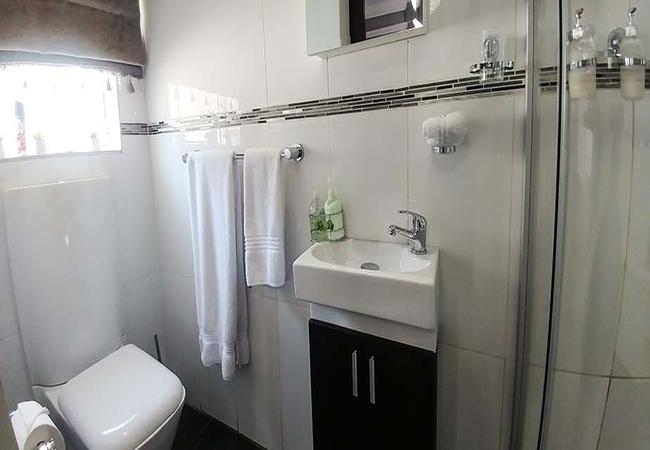 Cosy Silver Bathroom
