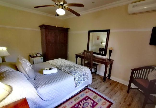 M Standard Room (Shower Only)