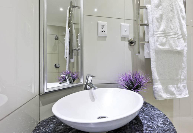 Jewel - Bathroom