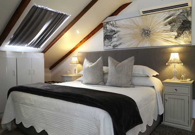 SPLENDOUR - Honeymoon Room