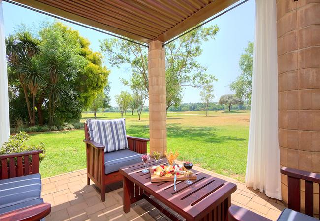 Centurion Golf Suites Boca Walk