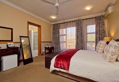 Centurion Golf Suites Boca Walk