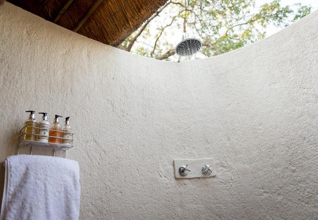 Outdoor Shower in Klipspringer