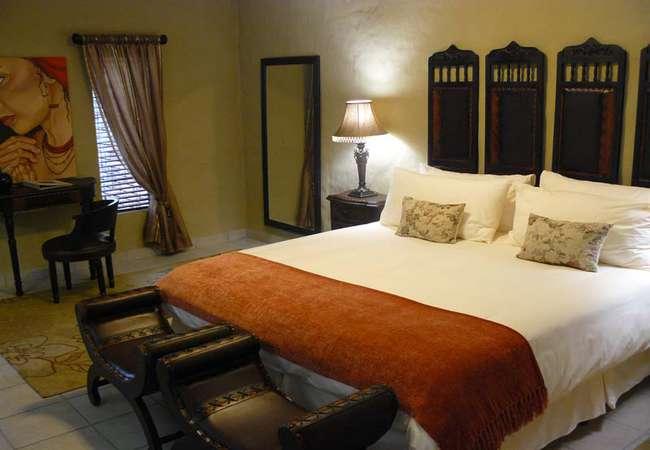 De Luxe Suite  Room 3