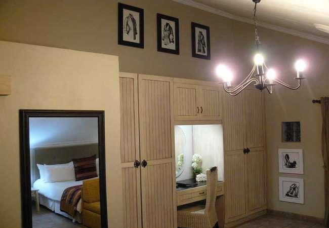 De Luxe Room 5