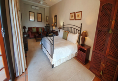 Chestnut King Suite