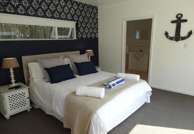 Room 2 (Queen Room)