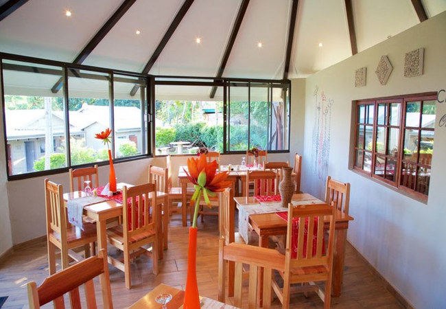 Lapa - Dining Area
