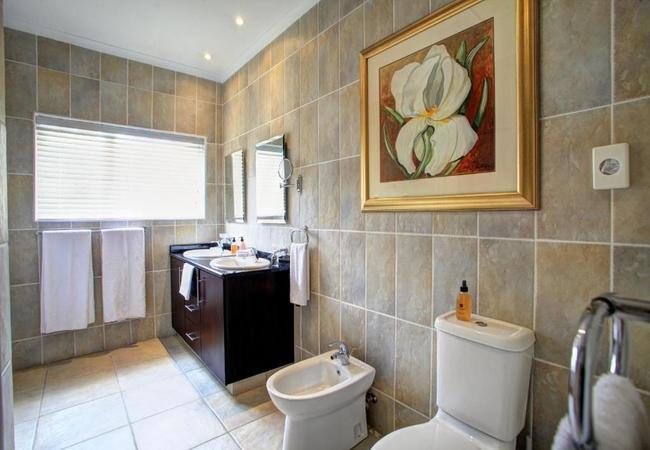 Luxury Suite 7