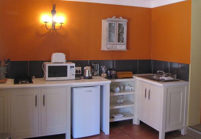 Wildeals apartment kitchenette