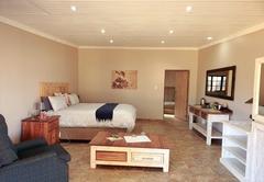 North Lodge Delux Queen Room 8
