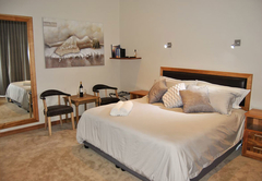 Colnera Guest House