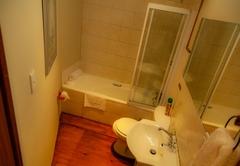 Blanc de Blanc (Private Bathroom not En-Suite)