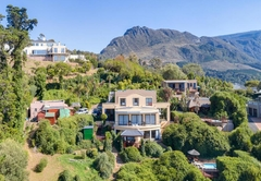 Accommodation in Constantia