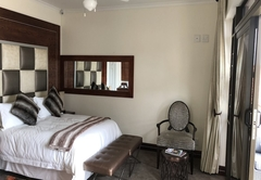 Pearl Executive Suite