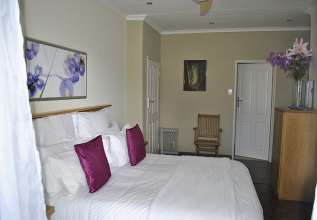 Residence Standard queen bed